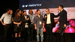 Navot Volk, managing director of Microsoft Ventures Israel, congratulates new graduates. Photo courtesy