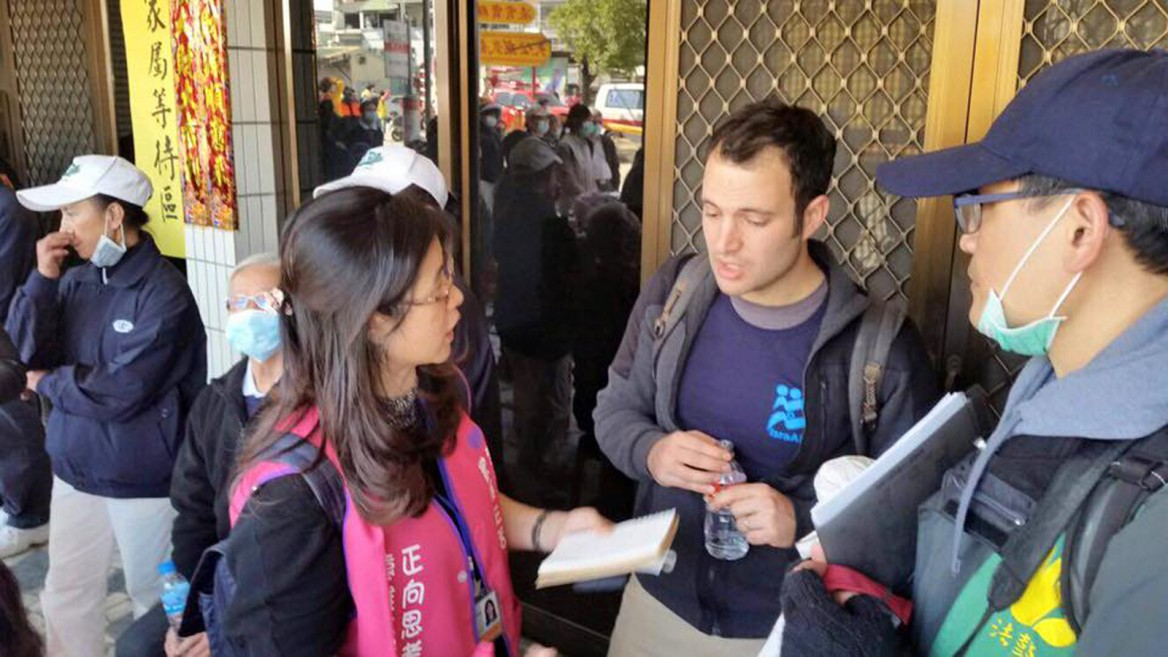 IsraAID volunteers join Taiwanese professionals to assist in earthquake relief efforts. Photo via IsraAID Facebook