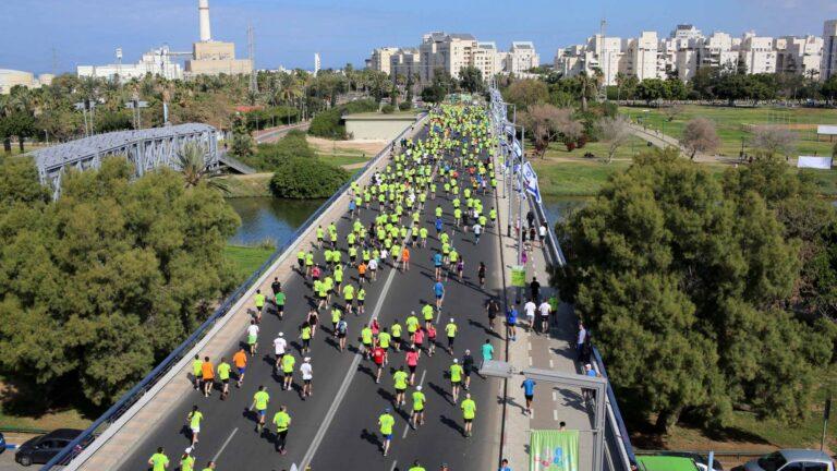 Tel Aviv Marathon. Photo by Ronen Topelberg