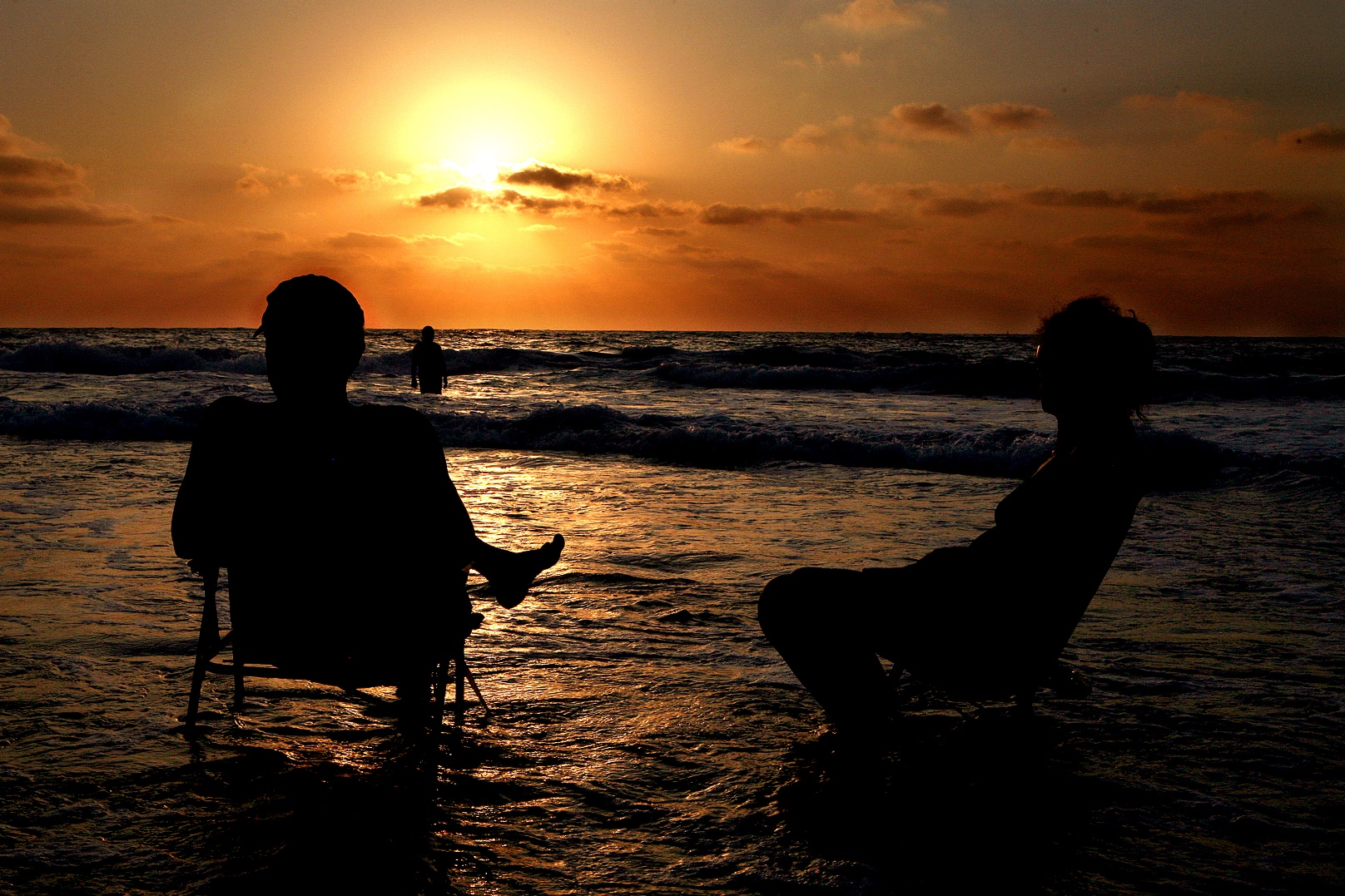 Sunset at Palmahim Beach. Photo by Yossi Zamir/FLASH90