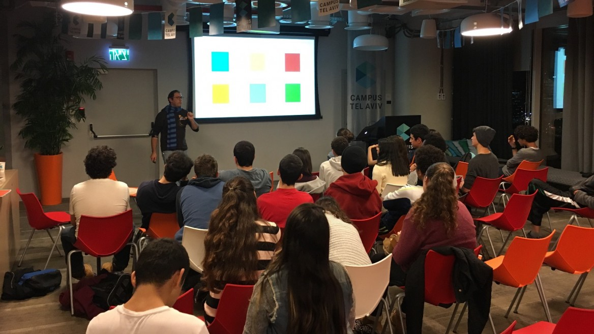 A Tech Lounge meeting at Ironi Tet High School, Tel Aviv. Photo: courtesy