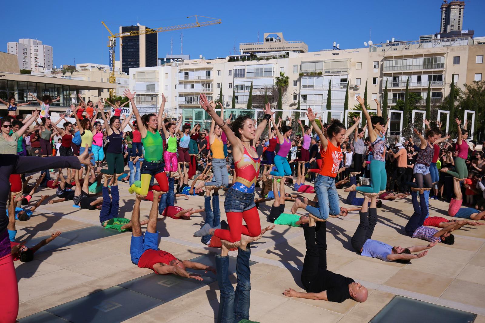 Acro yoga. Photo by Eyal Bar