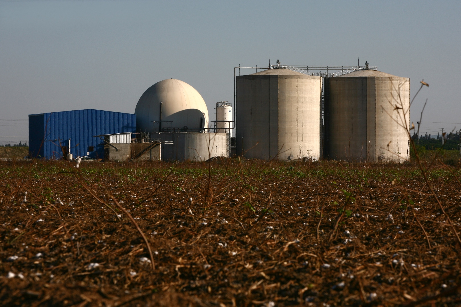 Illustrative photo of a regional Israeli biogas facility fed by dairy-cow waste. Photo by Chen Leopold/FLASH90