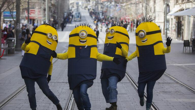 Minions take Jerusalem. Photo by Yonatan Sindel/FLASH90