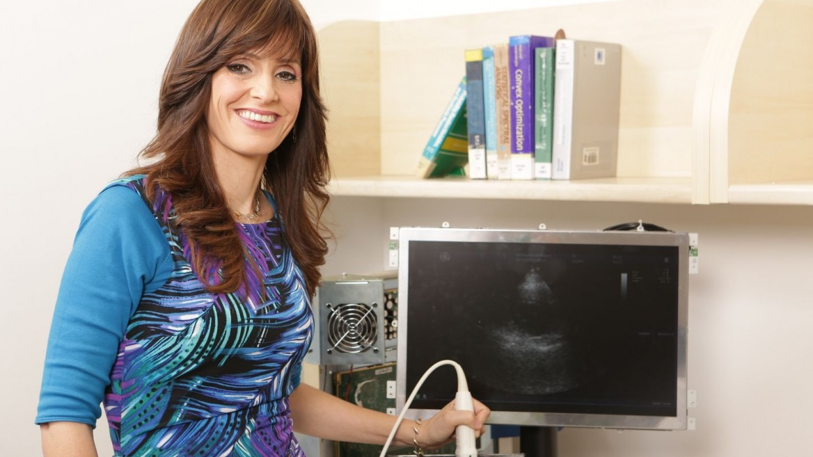 Prof. Yonina Eldar presenting the new ultrasound imaging probe. Photo courtesy of Technion Spokesperson's Office