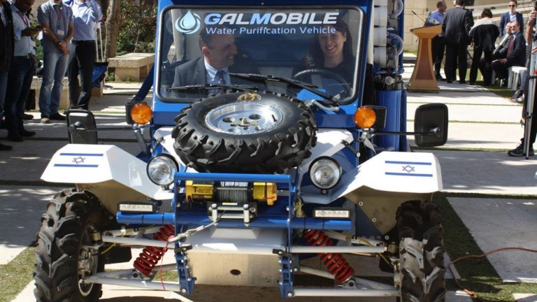 G.A.L. Water Technologies CEO Rami Aflalo and Israeli Deputy Foreign Minister Tzipi Hotovely in the GalMobile to be donated to Papua New Guinea. Photo: courtesy
