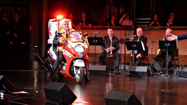 Jay Leno donates ambucycle to United Hatzalah. Photo by Yadin Goldman