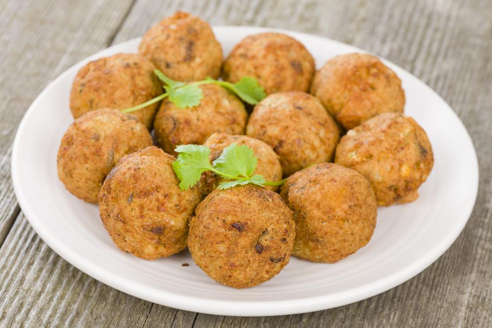 Street food fare is tantalizing. Photo via Shutterstock