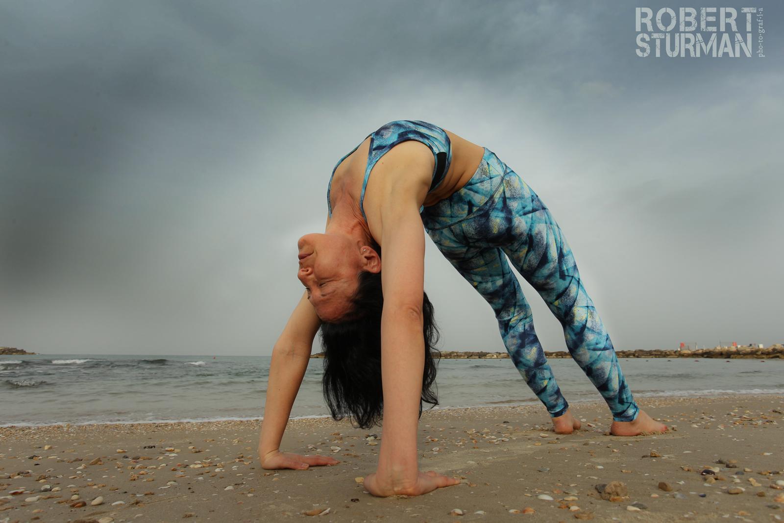 Ayelet Mor doing yoga in Tel Aviv. Photo by Robert Sturman