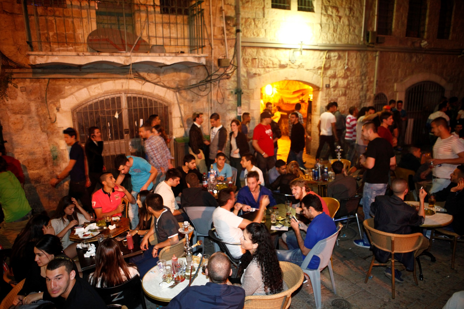 Jerusalem nightlife. Photo by Ariel Jerozolimski