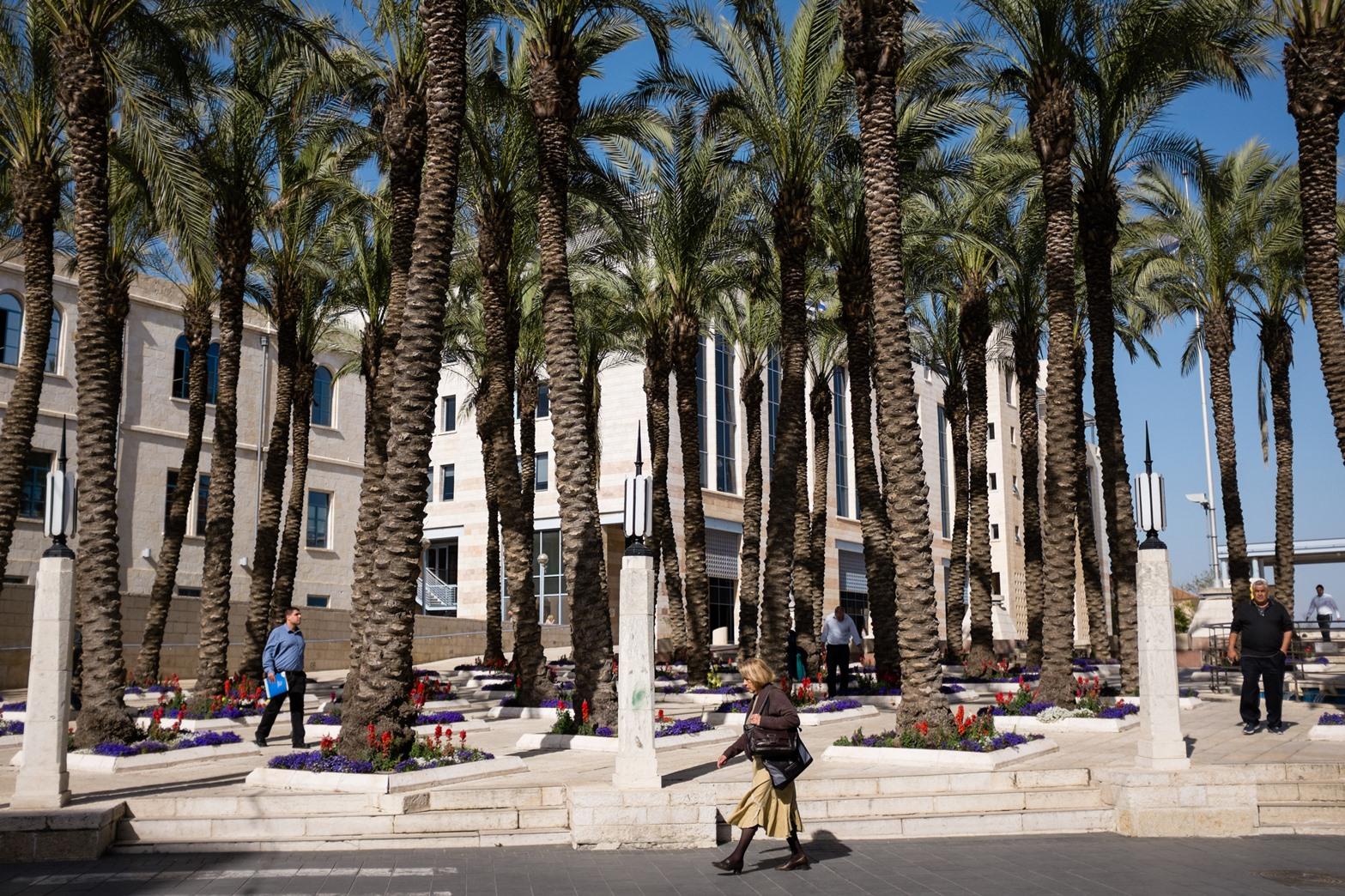 Municipal walking tours meet at Safra Square. Photo by Corinna Kern/FLASH90