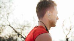 The device provides real-time coaching through Harman-Kardon earphones. Photo: courtesy