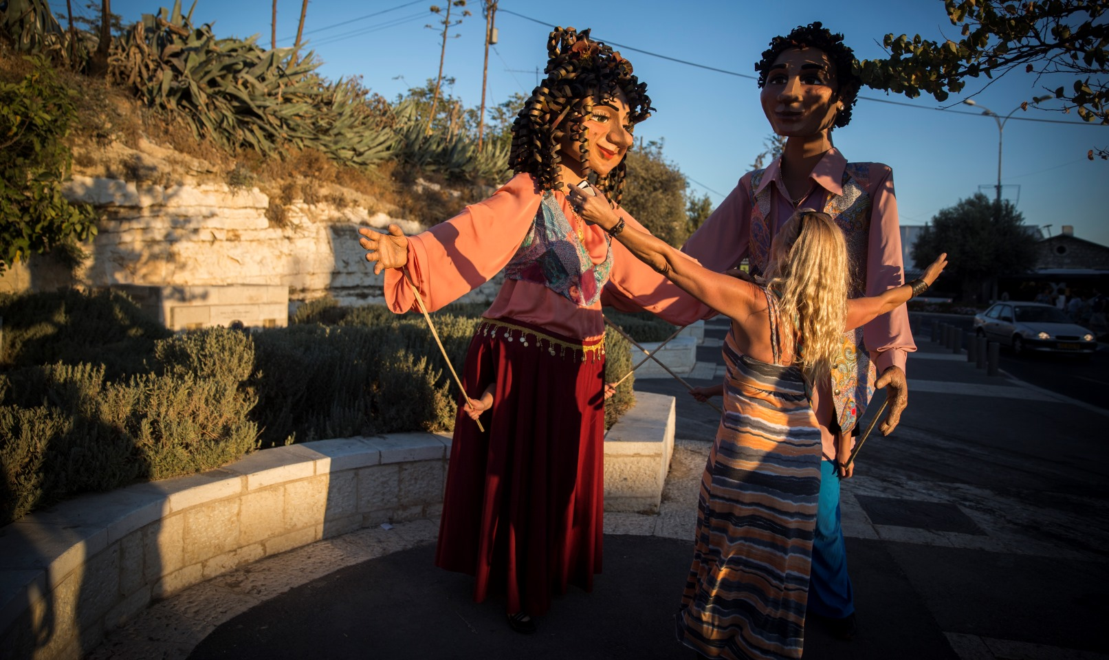 The International Puppet Theater Festival last year in Jerusalem featured human puppets welcoming people off the streets. Photo by Hadas Parush/FLASH90