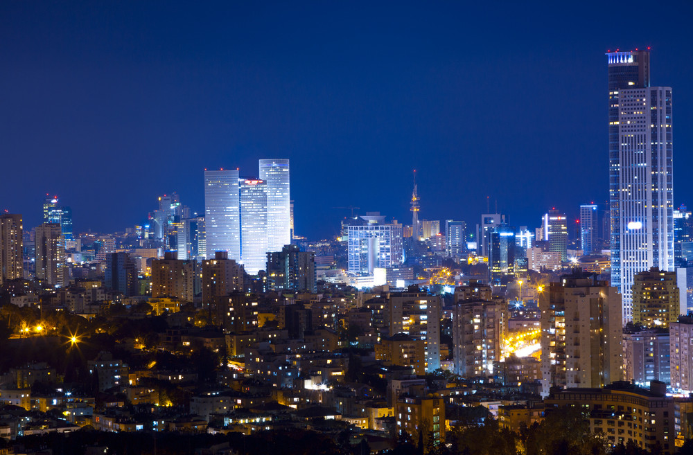 Hot summer nights in Tel Aviv. Photo by www.shutterstock.com
