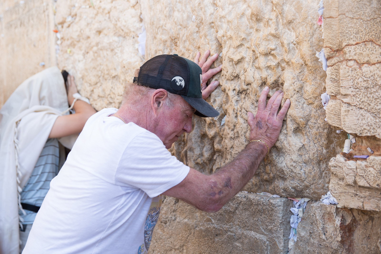 American actor James Caan at the Western Wall. Photo Flash 90