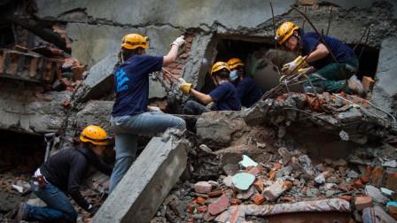 IsraAID working in the Gongabu district of Kathmandu. Photo: IsraAID/Mickey Noam Alon