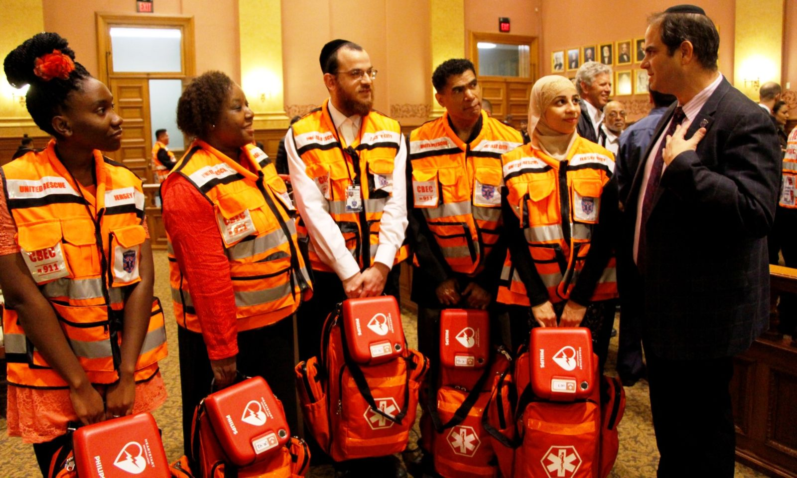 United Hatzalah founder Eli Beer with the first graduating class of volunteer first-responders in Jersey City, New Jersey. Photo by Yadin Goldman