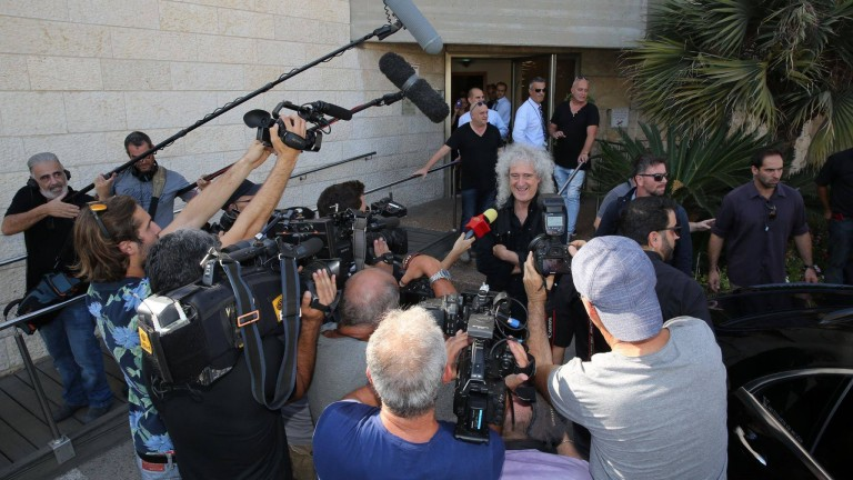 Queen lands in Tel Aviv. Photo by Udi Appelboim via LiberateArt