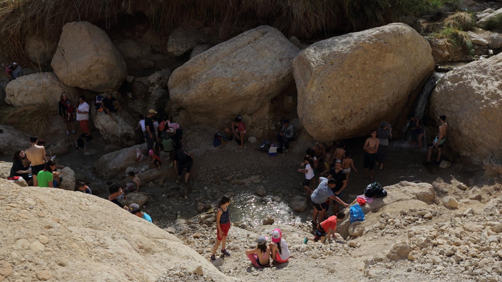 Hikers in Nahal David. Photo by Yaakov Naumi/Flash90