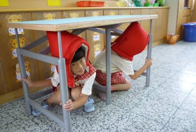 Israeli earthquake-resistant tables in schools in Taiwan. Photo via facebook.com/IsraelinTaipei