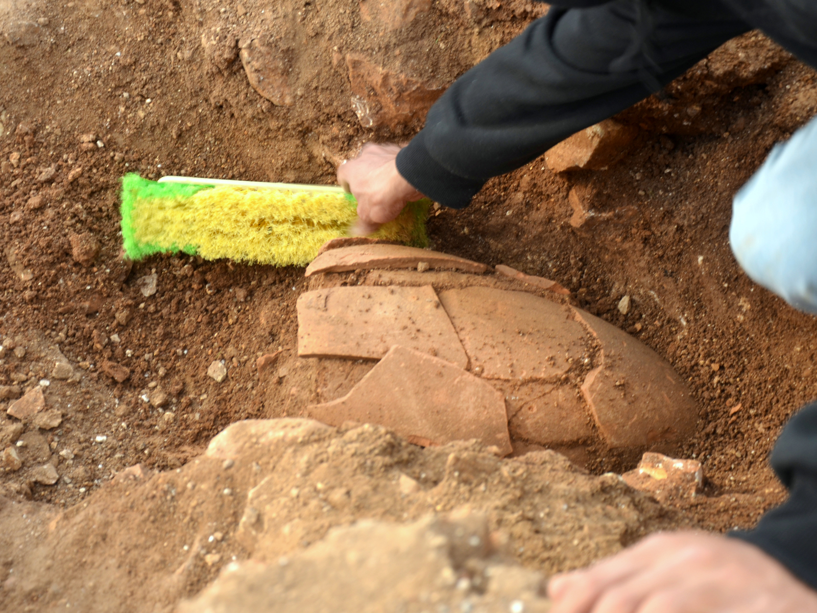 A 2,000-year-old jar. Photo by Yoli Shwartz/Israel Antiquities Authority