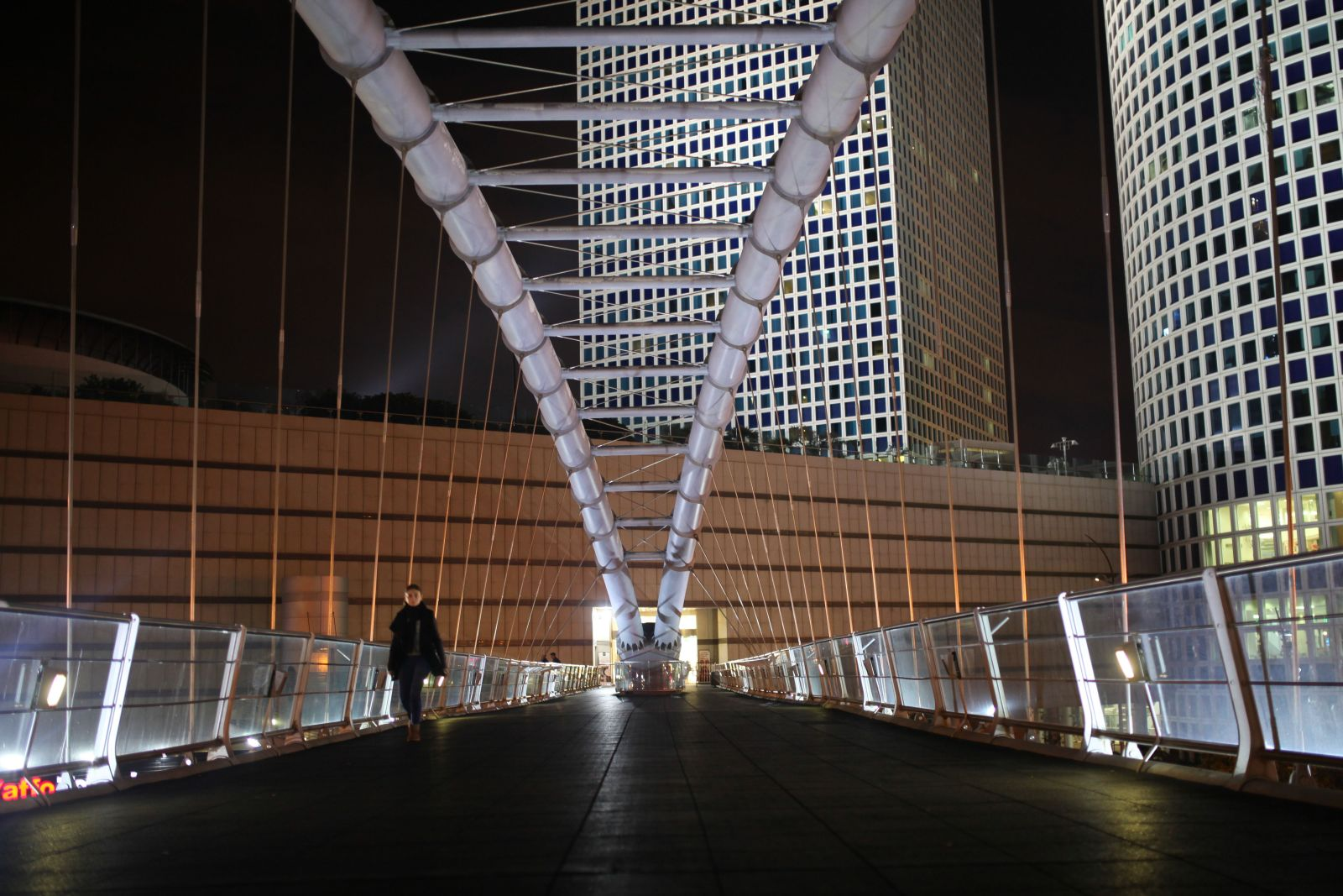 Azrieli Center Bridge in Tel Aviv may be Israel's most used pedestrian span. Photo by FLASH90