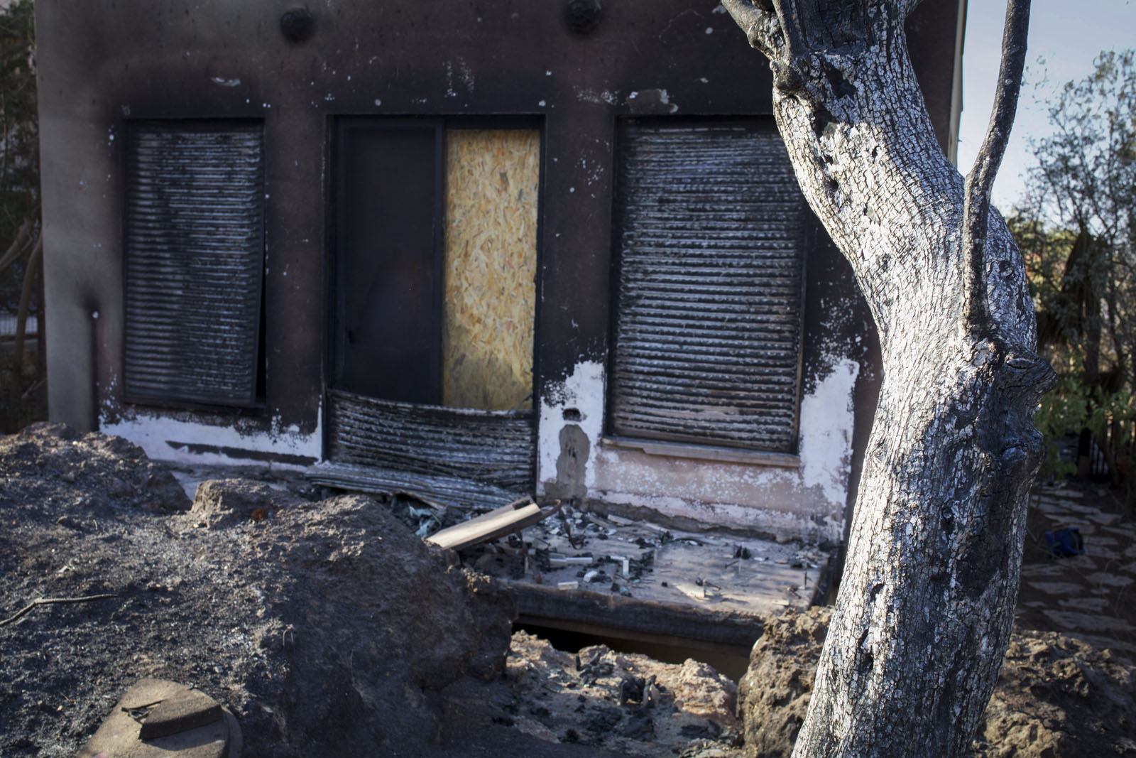 Damage caused by a in Zichron Yaakov, November 23, 2016. Photo by Doron Horowitz/Flash90