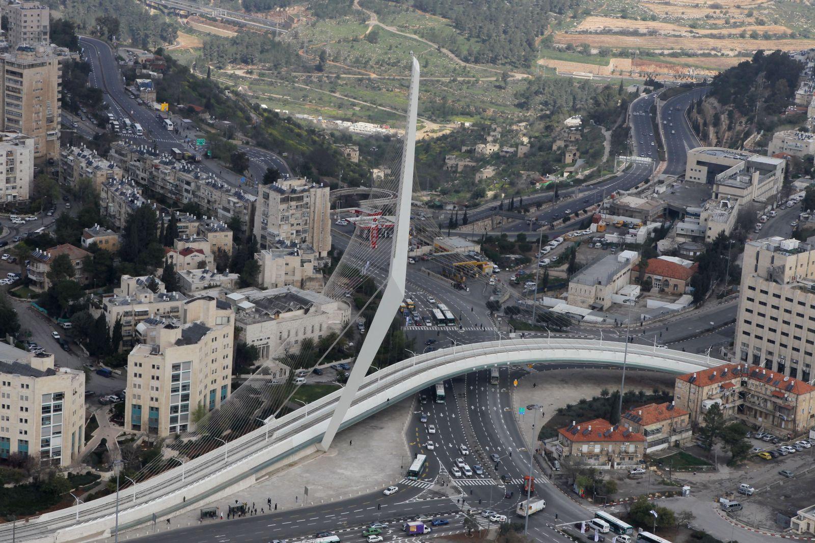 The Chords Bridge dominates the Jerusalem skyline. Photo by Nati Shohat/FLASH90