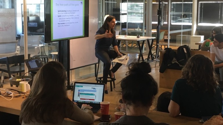 Keren Ouaknine, senior big data architect at Redis Labs, giving TAVtech Fellows an introductory lesson on Big Data. Photo: courtesy