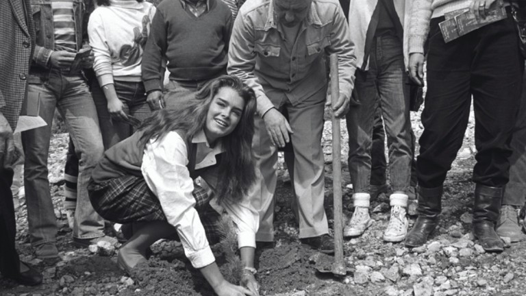Brooke Shields plants a tree with dedication in Nes Harim, Israel in 1983. Photo courtesy of KKL-JNF Archive
