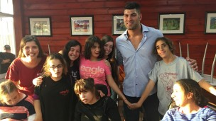Israeli Olympic judoka Ori Sasson with children at Shalva. Photo: courtesy