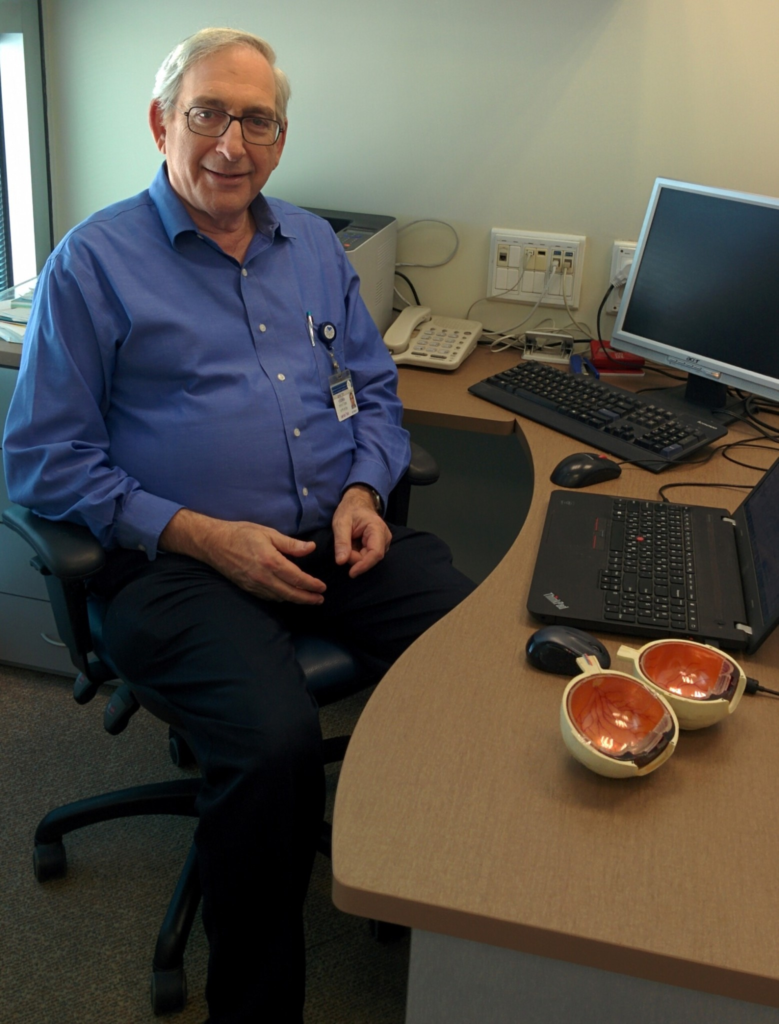 Dr. Chaim Stolovitch in his office at Tel Aviv Medical Center. Photo by Abigail Klein Leichman