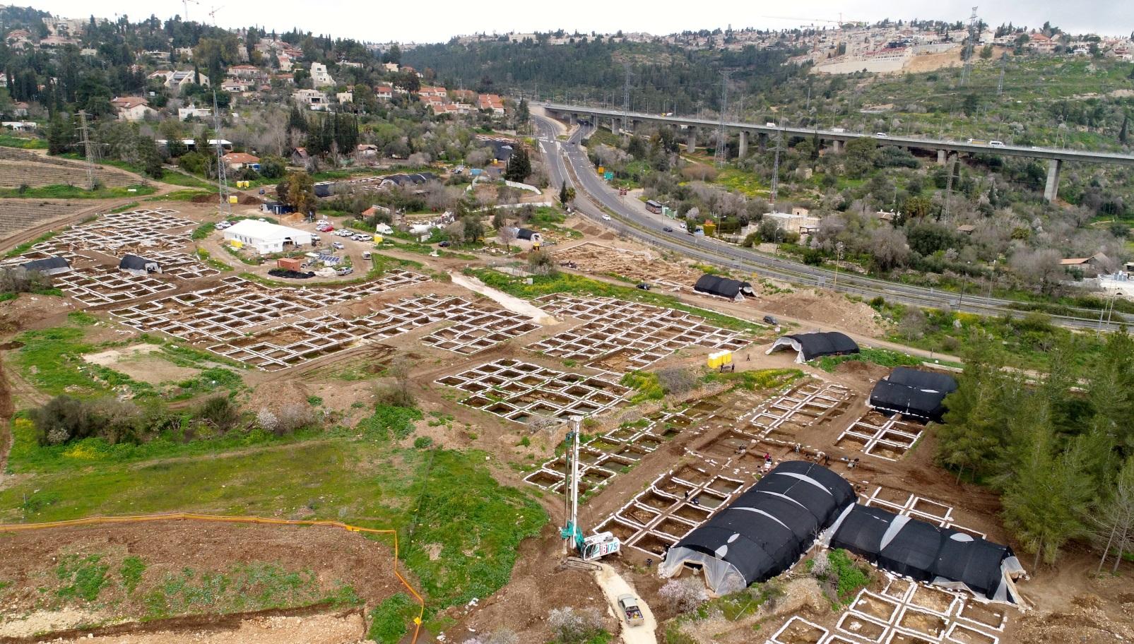 Satu Kota Besar Setara Zaman Neolitik Digali di Yerusalem