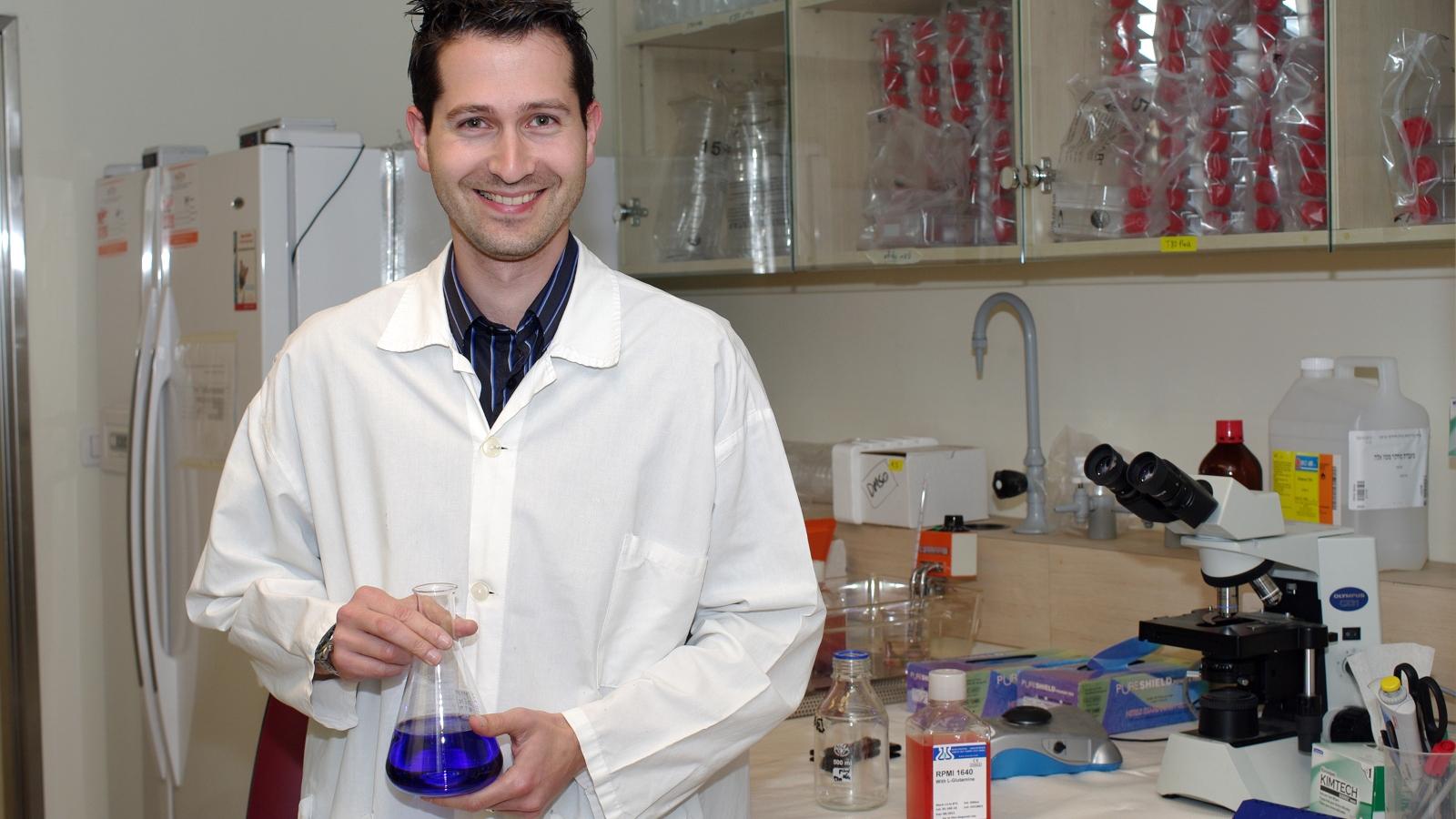 Why metastatic melanoma often resists immunotherapy