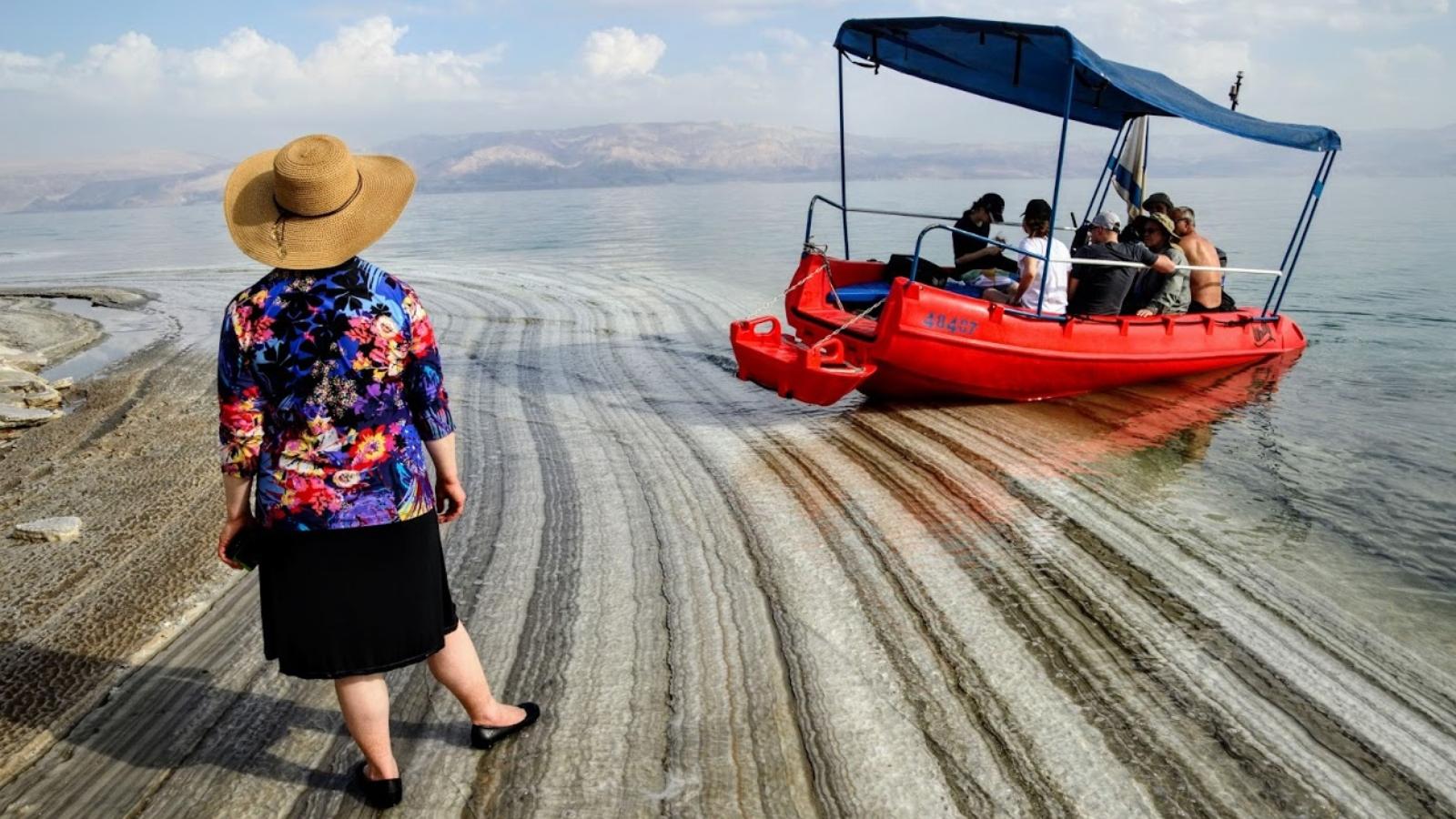 Dead Sea Revival Project sets sail – ISRAEL21c