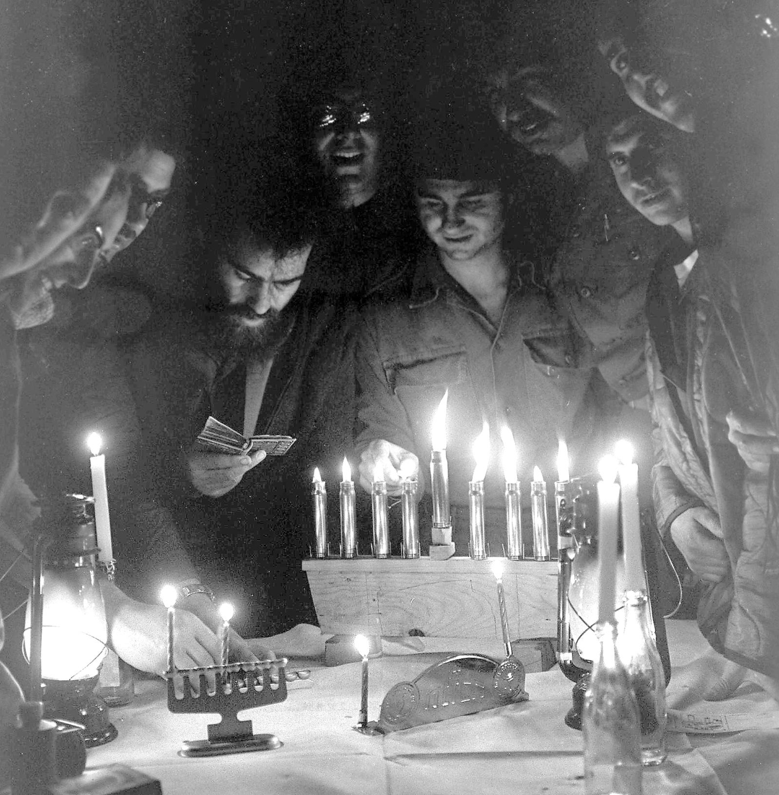 Soldiers light candles during the 1973 Yom Kippur War. Photo: GPO