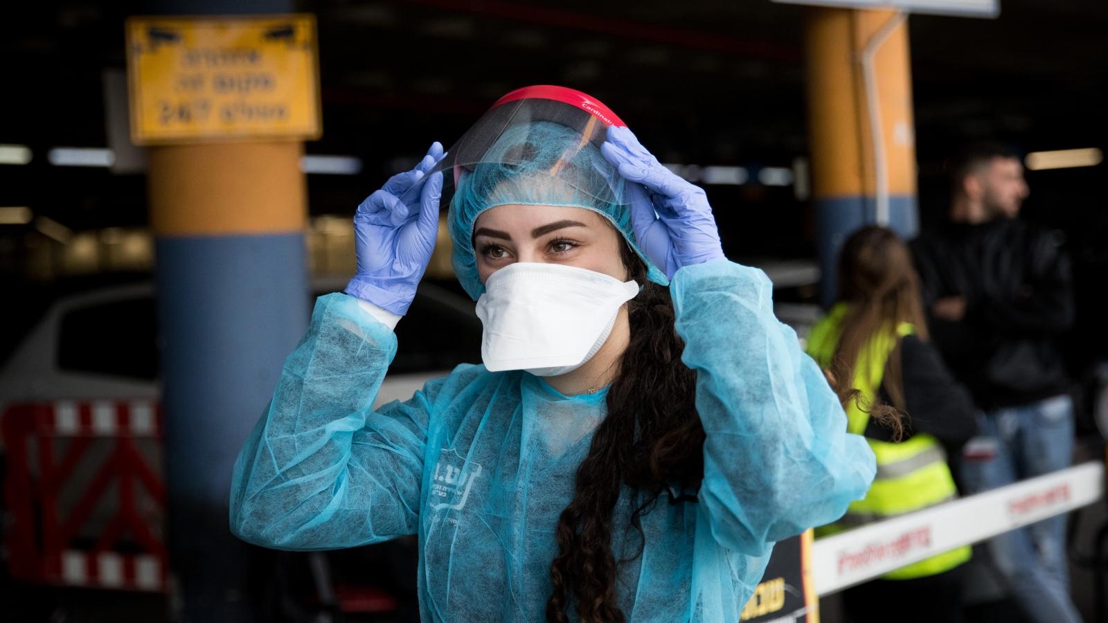 anti viral surgical mask