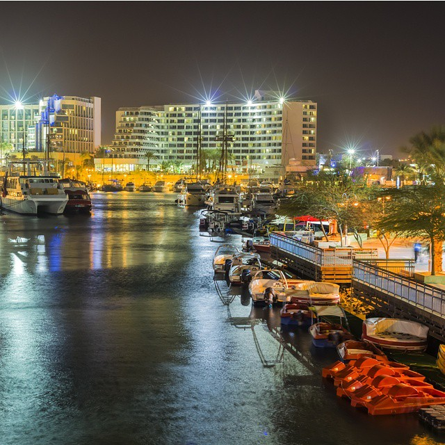 From trendy bars to clear waters to beautiful hotels, Eilat has everything you need for the perfect summer getaway.  #Beach #Nightlife #Summer #ISRAEL21c  by #Shutterstock