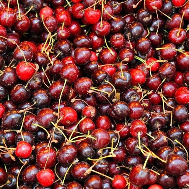 Cherries for sale in Jerusalem\'s Mahane Yehuda shuk.