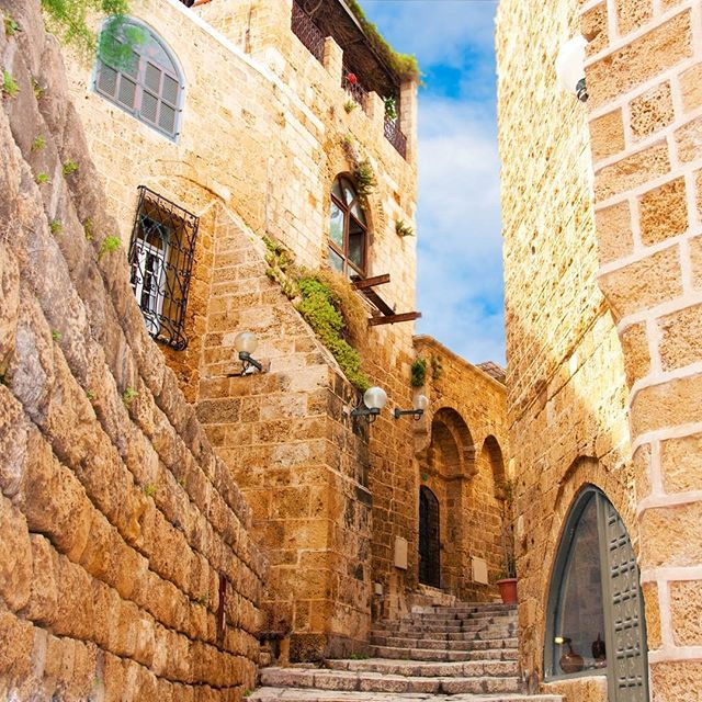 Narrow stone streets of ancient #TelAviv  Photo credit: Seqoya