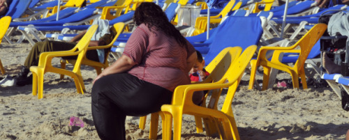 Fat-Study-Woman-on-Beach