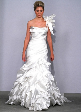 Pnina Tornai wedding dress with bow