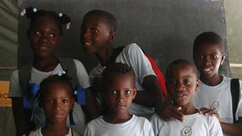 IsraAID treats Haitian kids