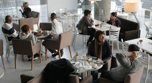 Liliyot Cafe